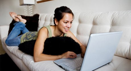 woman-laptop-couch-460x250